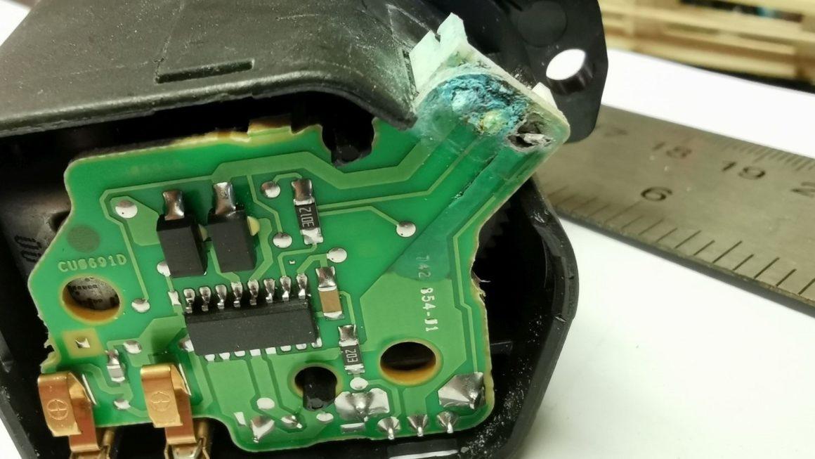 Oprava motorčeka sklonu svetiel (Roomster)